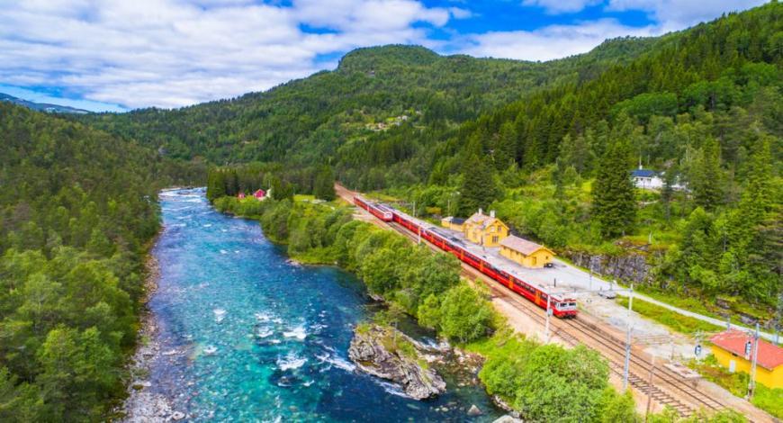 Ministro dei Trasporti norvegese celebra inizio dei lavori della ferrovia realizzata da Salini Impregilo
